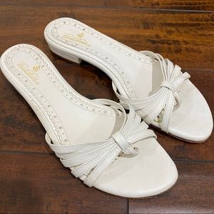 Brooks Brothers White Leather Sandals Size 7